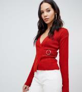 Jersey de canalé con diseño cruzado y detalle de hebillas de ASOS DESI...