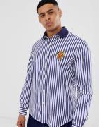 Camisa de popelina de corte estándar personalizado con rayas multicolo...